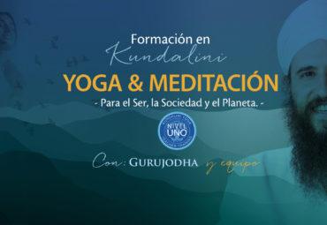 Conoce a nuestro equipo docente de la Formación de Yoga & Meditación