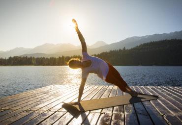 5 grandes beneficios de meditar y hacer yoga por las mañanas