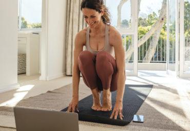 5 consejos básicos para hacer yoga en casa
